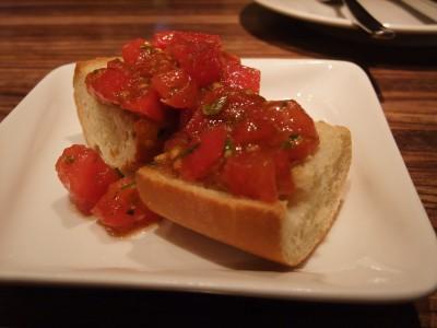 アロッサ フレッシュトマトのブルスケッタ