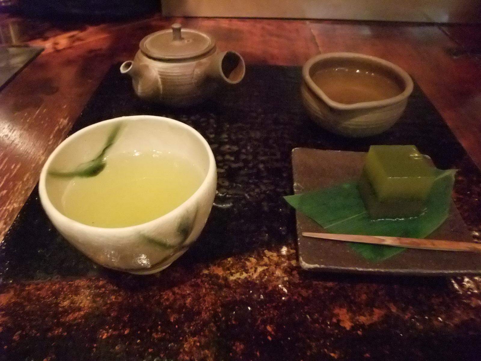 銀座 茶の葉@松屋 煎茶(お菓子付き)
