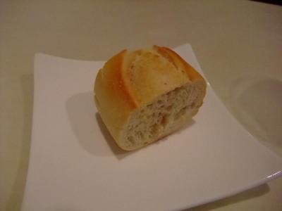 VINORIO EST パン