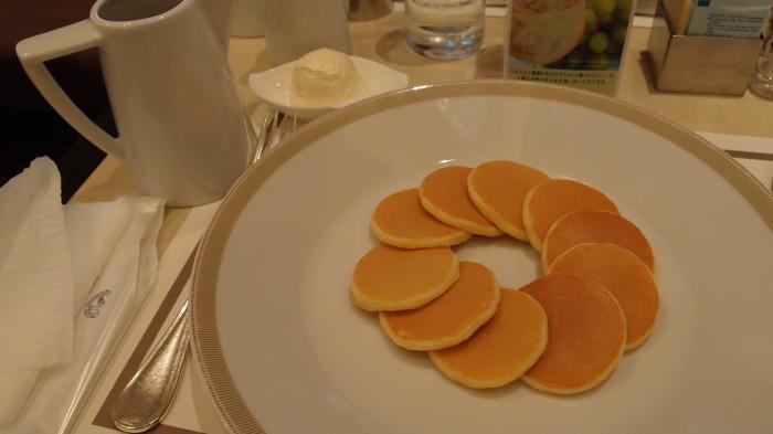 ParksideDINER@帝国ホテル 1ドル銀貨のパンケーキ