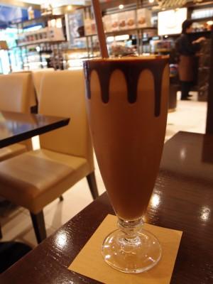 リンツ ショコラ カフェ アイスチョコレートドリンク