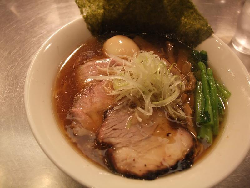 東京駅 麺処 ほん田 特製醤油ラーメン