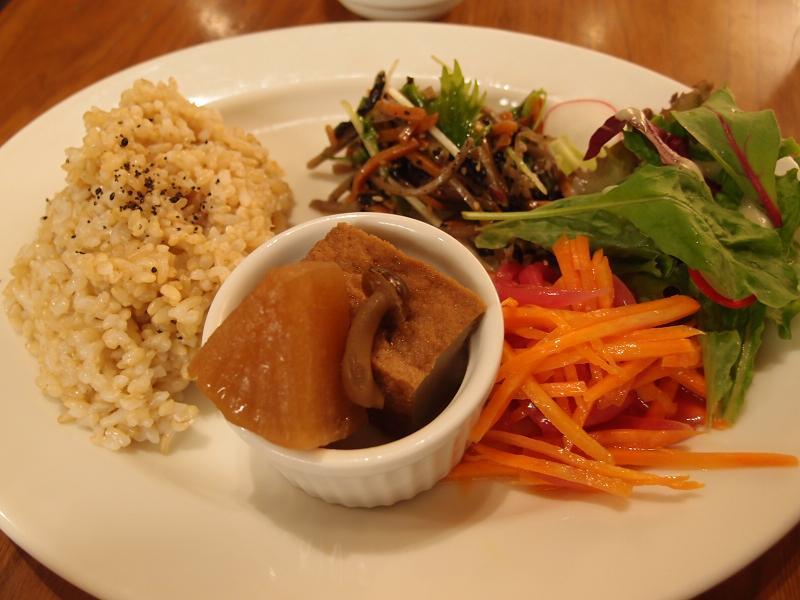 有楽町 チャヤマクロビカフェ 玄米プレート