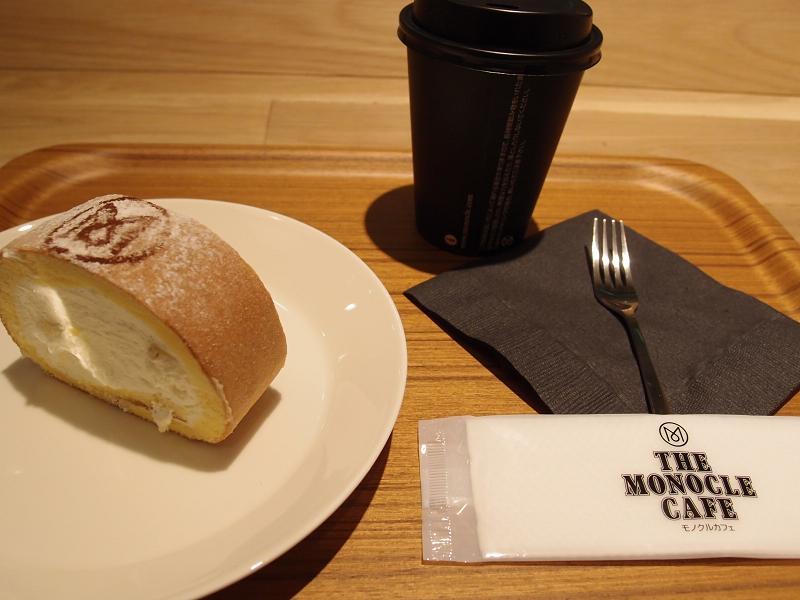 有楽町 THE MONOCLE CAFE ロールケーキ