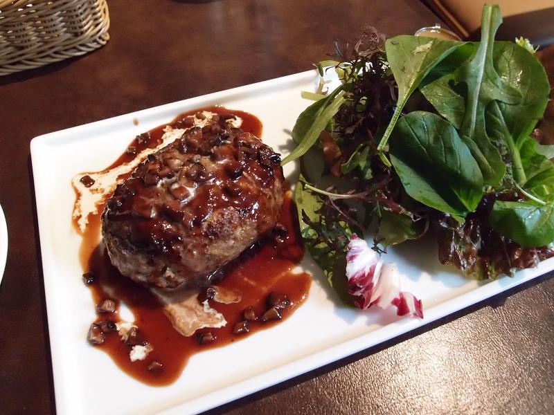 銀座 Gourmet Doctor ITALIAN エイジングビーフのハンバーグステーキ