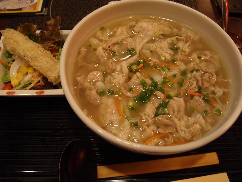 銀座 しゃぶ粋@ニューメルサ 燦然豚とコラーゲンのスープ米麺