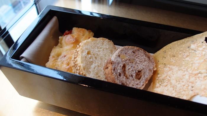 アルマーニ リストランテ パン