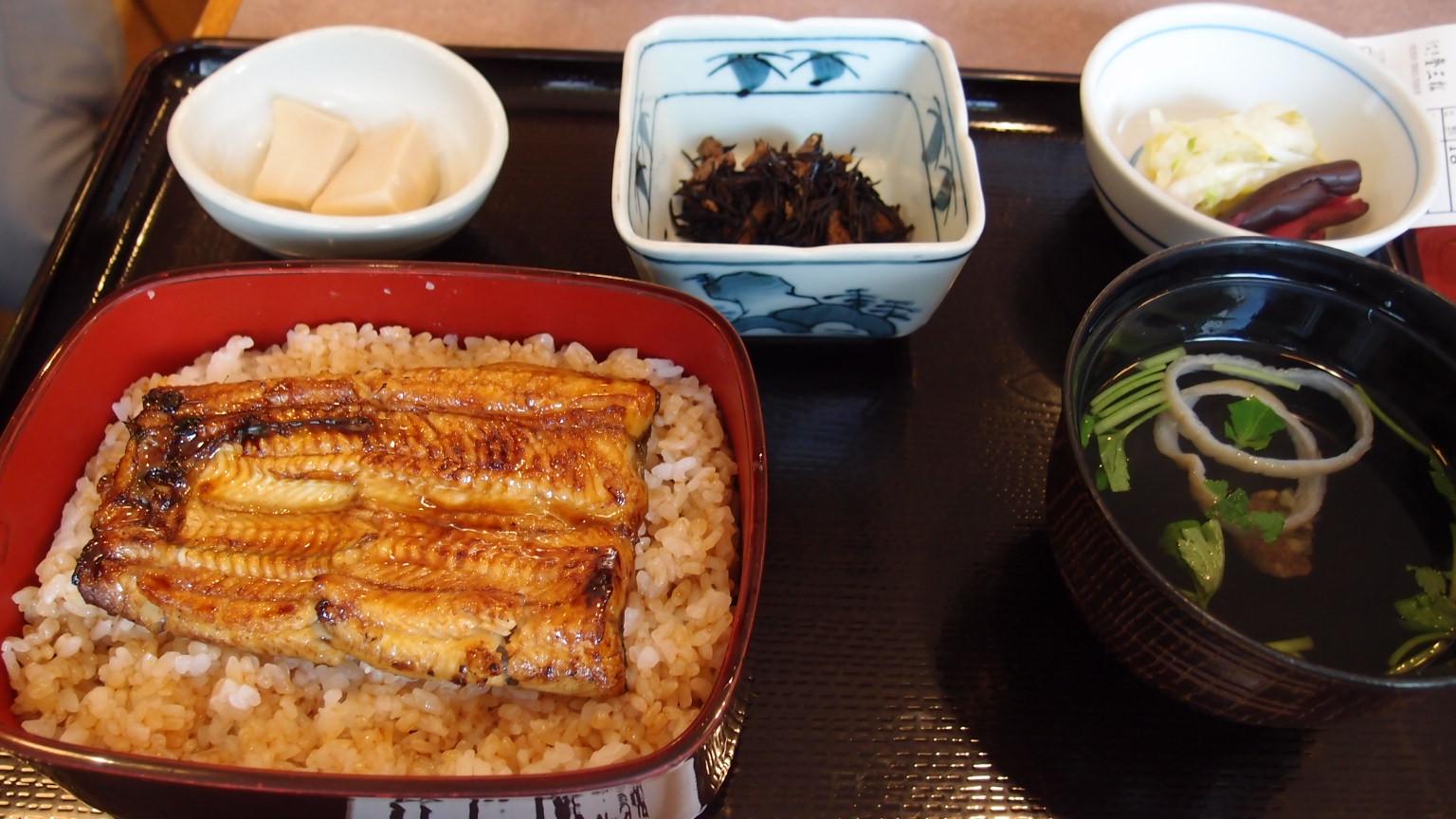 銀座 登三松 サービス定食