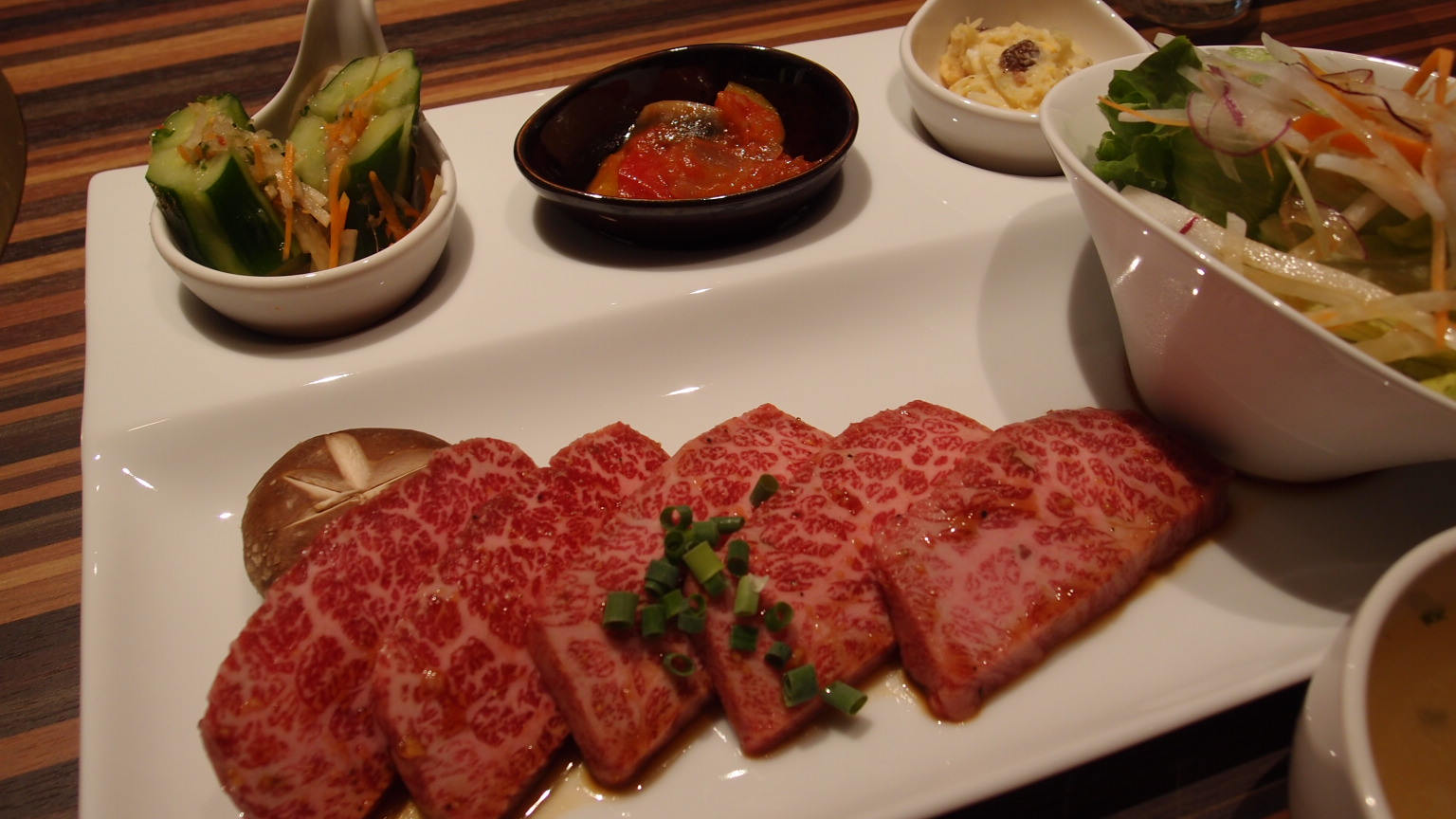 銀座 焼肉バルHEIJOUEN Open記念神戸牛セット