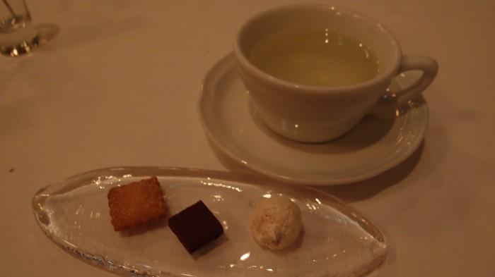 サーラアマービレ カフェ