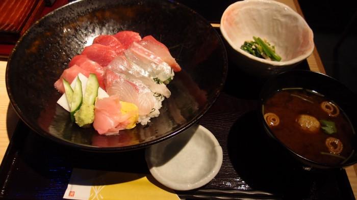 近畿大学水産研究所 海鮮丼