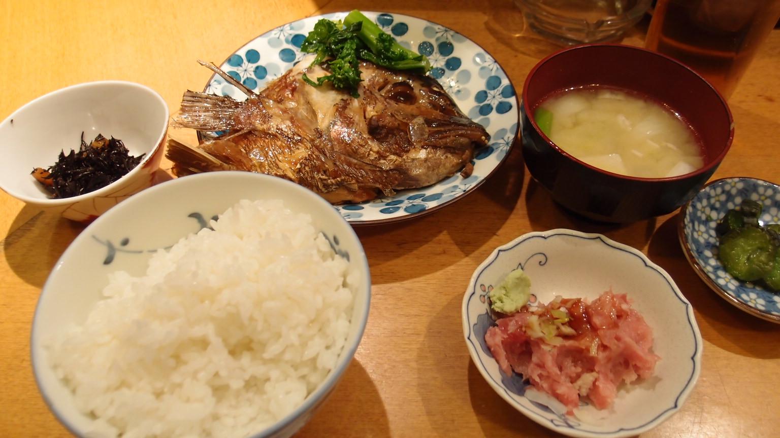 銀座 明日葉 鯛のかぶと煮定食