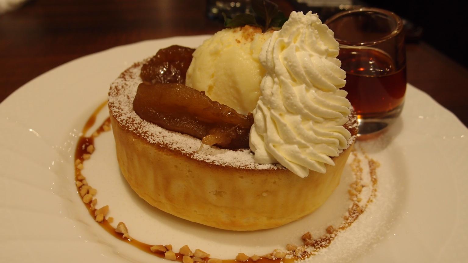 銀座 星乃珈琲店 キャラメルりんごのスフレパンケーキ