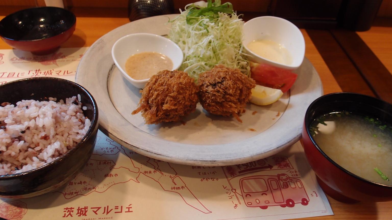 銀座 茨城マルシェ いばらきメンチ | 生しらす丼
