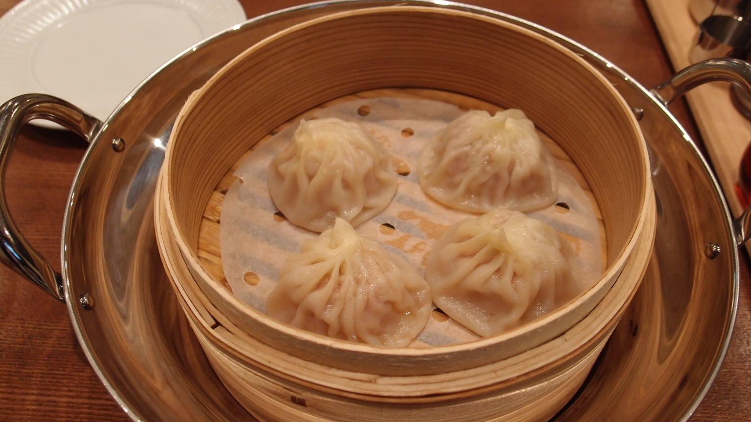 銀座 京華小吃(ジンファシャオツゥ) 小籠包、炸醤麺