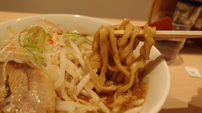 江戸甘 味噌ラーメン 麺