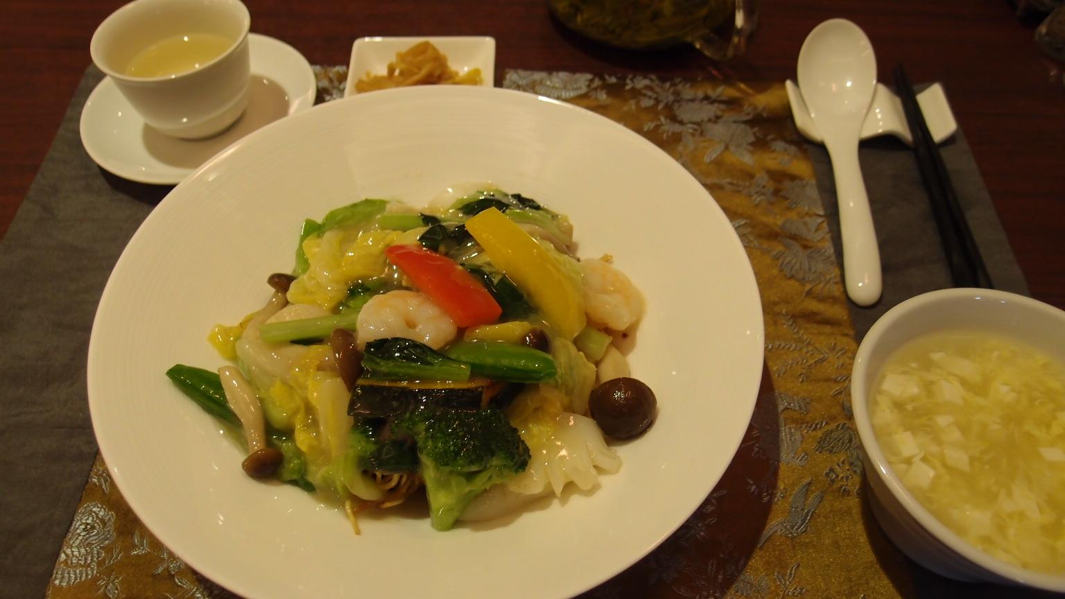 銀座 芳園 海鮮炒麺