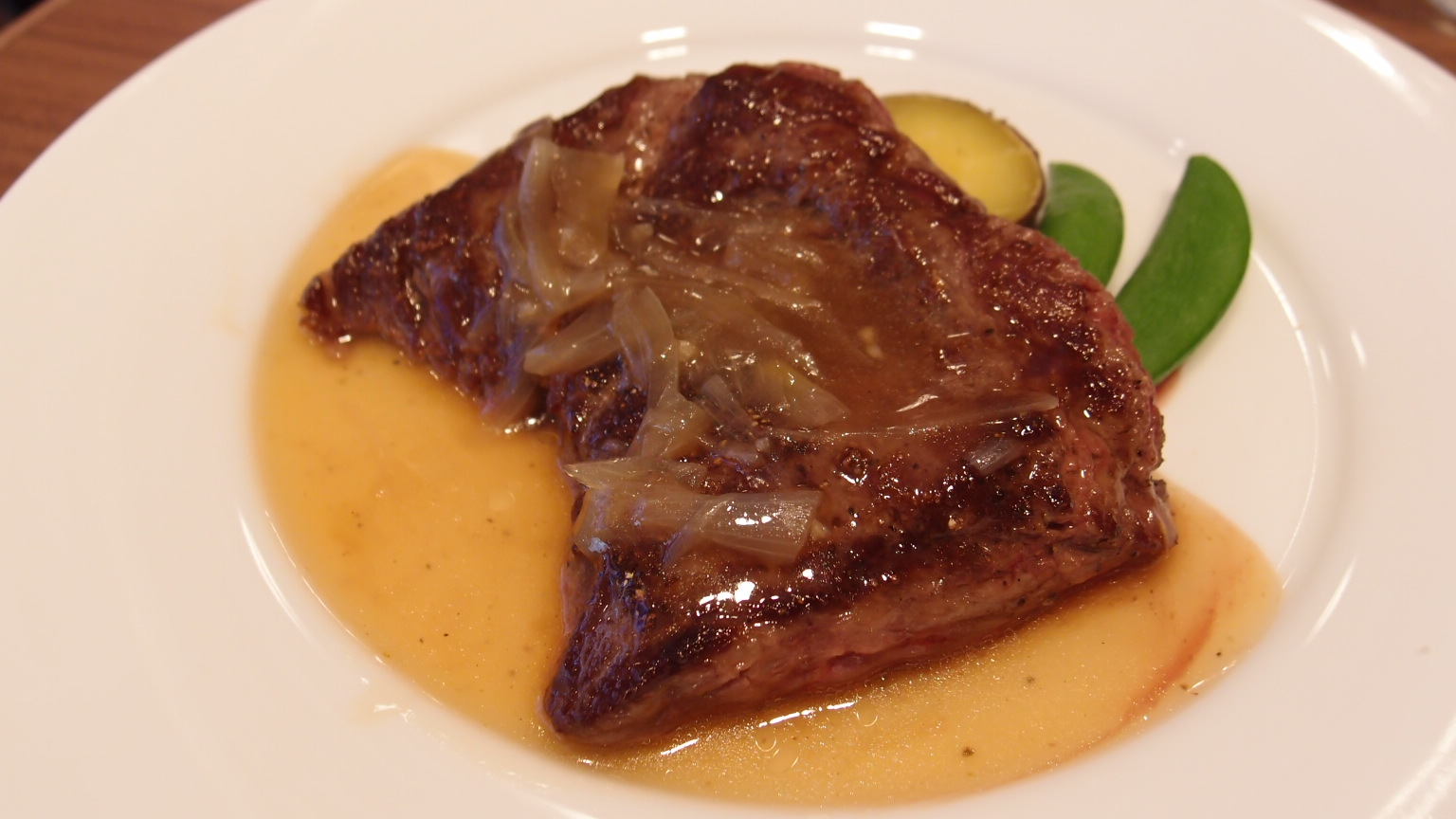 銀座 essence Terrace Dining BAR 黒毛和牛のステーキ