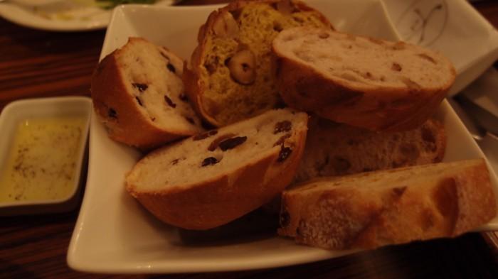 メゾンカイザーカフェ おかわりのパン