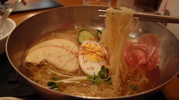 韓式食堂市場 冷麺