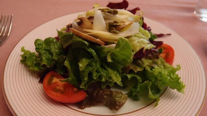 レストラン ドンピエール サラダ