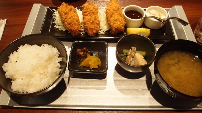 THE CAVE DE OYSTER 牡蠣フライ御膳